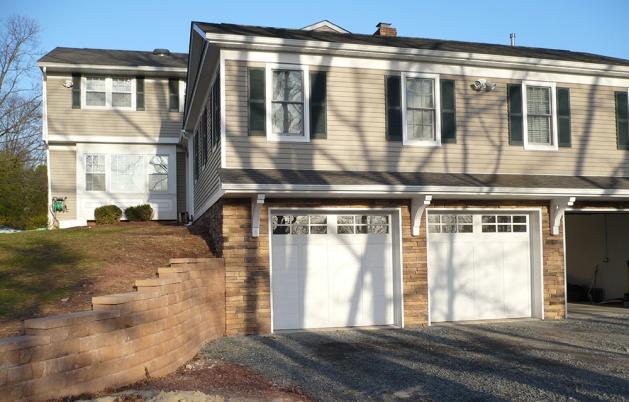 13-addition-colonial-garage-P1030304
