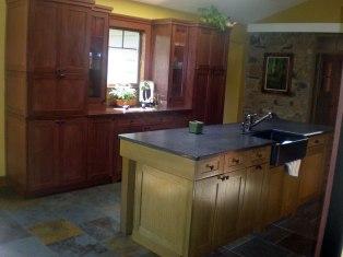 13-artscrafts-kitchen